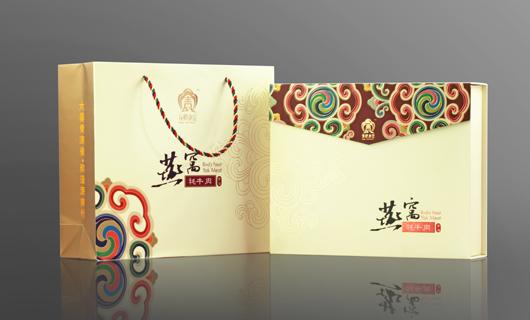 市场,青藏高原将该系列产品的包装设计交由以形象设计著称的燕清创意